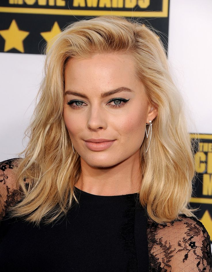 Margot-Robbie-new-photos-2014-1