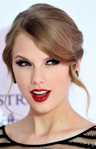 Taylor-Swift-12