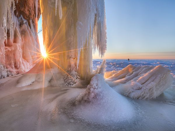 ice-cave-sunset_89665_600x450