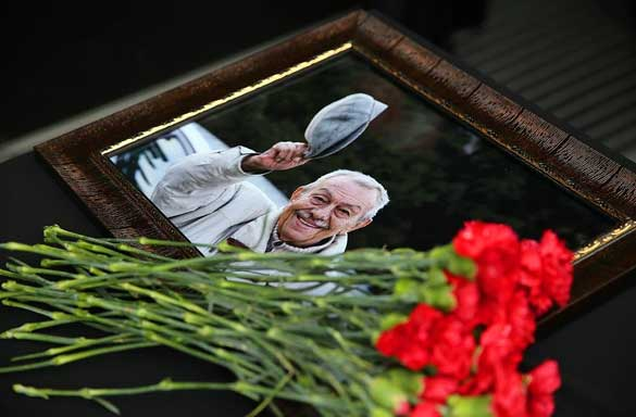 22-Ekim-–-Gazeteci-Yazar-Çetin-Altan-Hayatını-Kaybetti