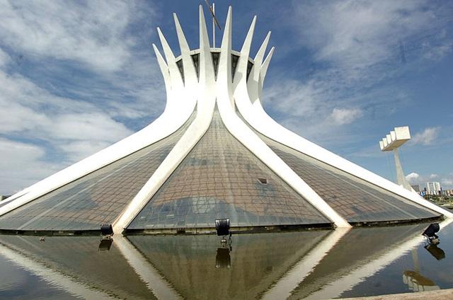 catedral_de_brasilia_01 Dünya'daki En İlginç 25 Mimari