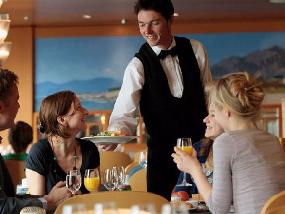 """garson Katil, Aşçı ya da Uşak Değil: """"Restoranların Yavaş Olmasının Sebebi Sizsiniz!"""" !"""