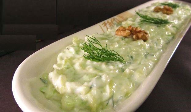 Yoğurtlu Kabak Salatası Tarifi, Nasıl Yapılır? (Videolu)