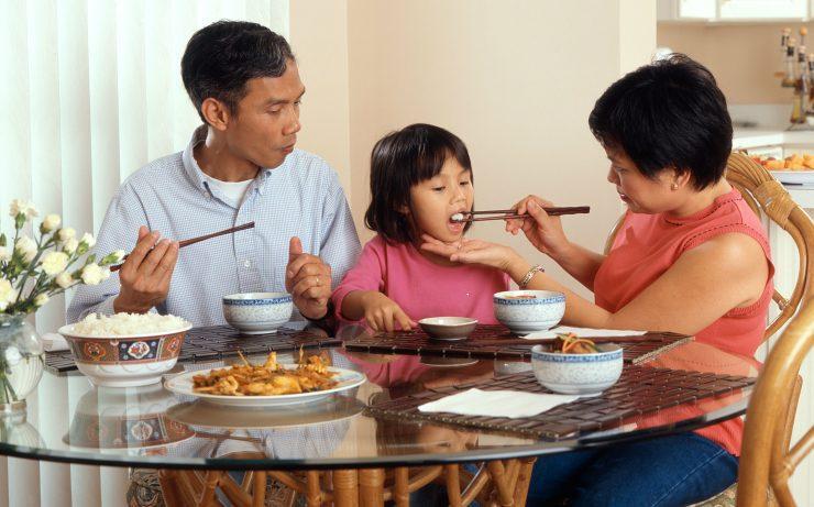 Çinliler Yemeklerini Neden Çubuk İle Yerler?