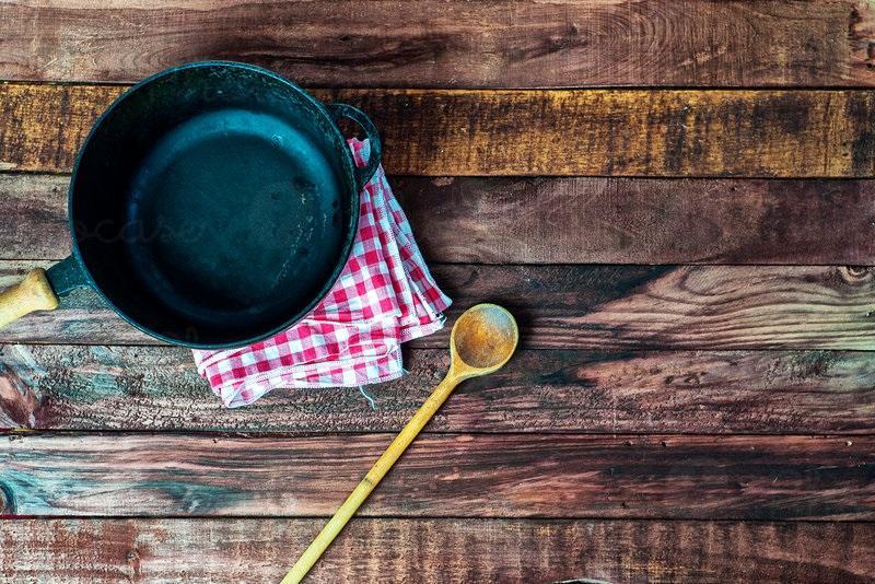 Neden Yemek Yaparken Tahta Kaşık Kullanılmalı?
