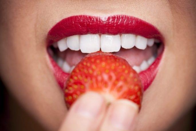 Evde Yapacağınız Tariflerle Diş Beyazlatma Yöntemleri